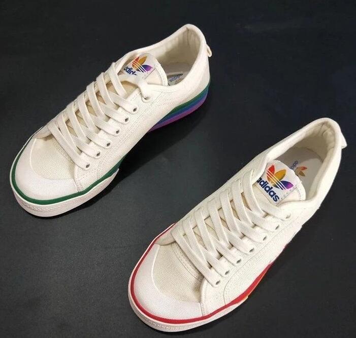 三叶草  彩虹板鞋鸳鸯运动鞋