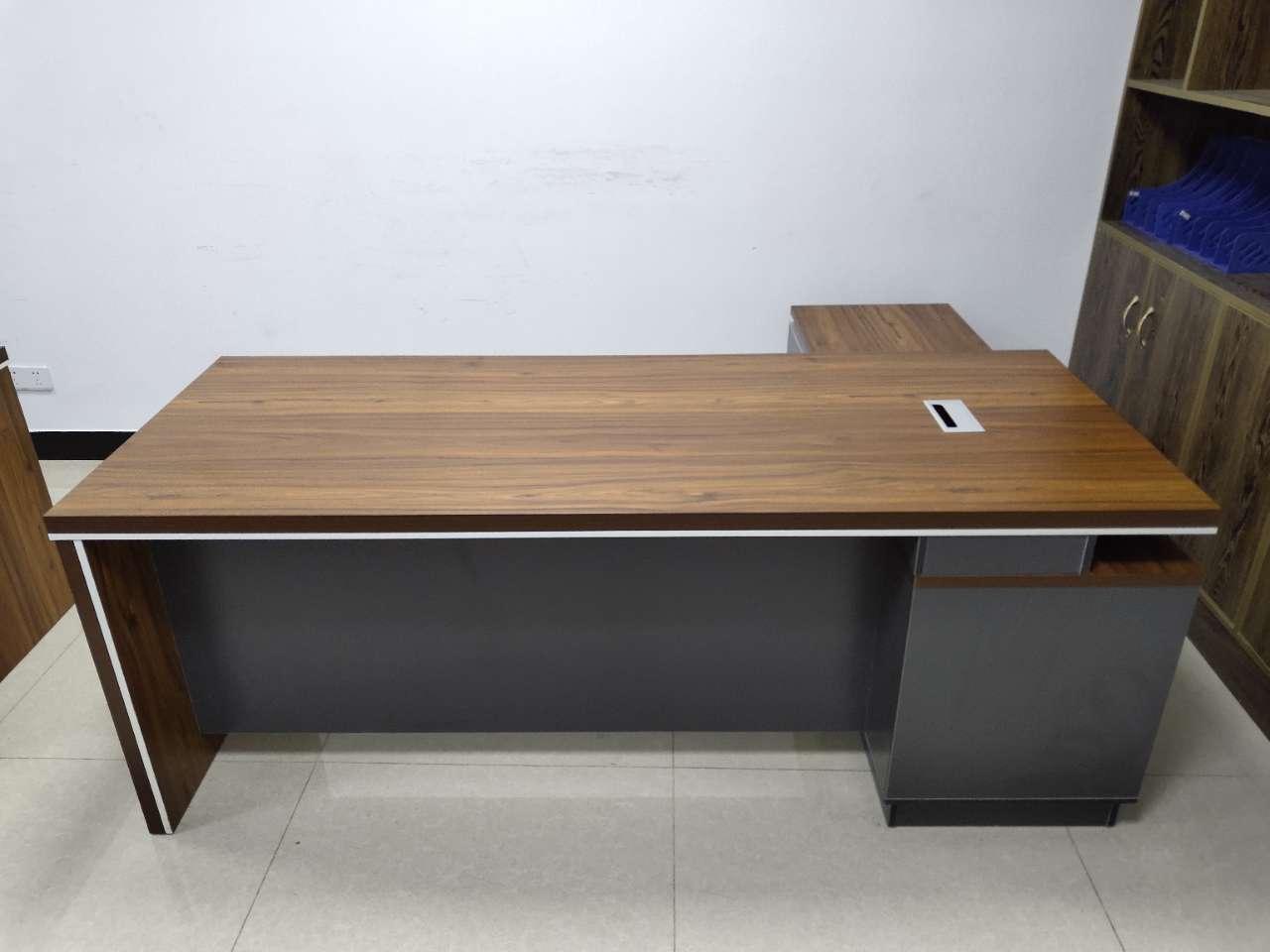 99新高檔老板桌,大班臺