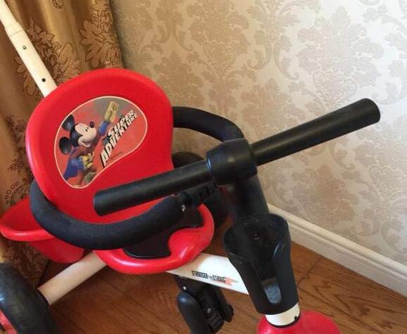 宝宝婴儿车(可以手推也可以脚踩 95成新)