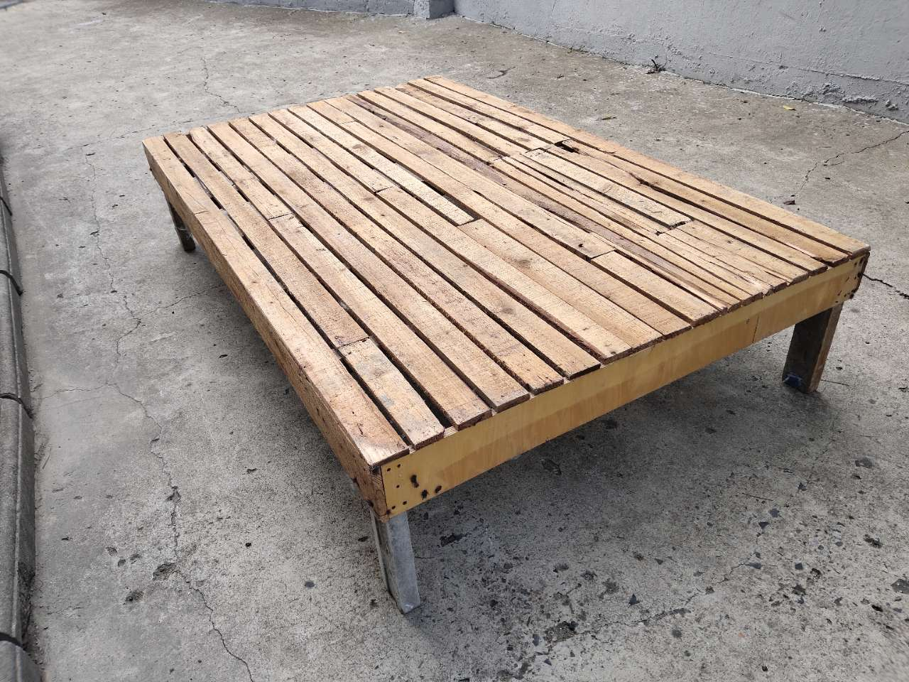 实木床,完好
