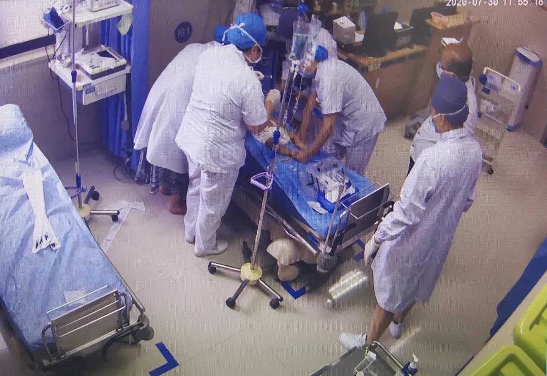 惊险!花桥医院成功抢救一名异物导致窒息婴儿